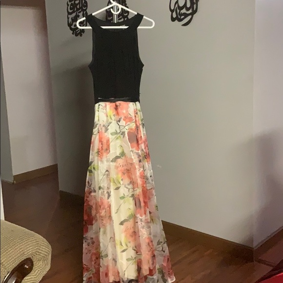 SLNY Dresses & Skirts - Lovely dress and could be worn at any occasion